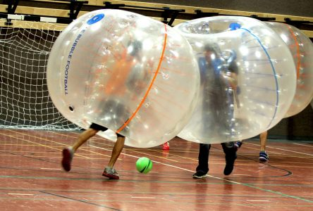 Le «bubble football» arrive à Thetford Mines