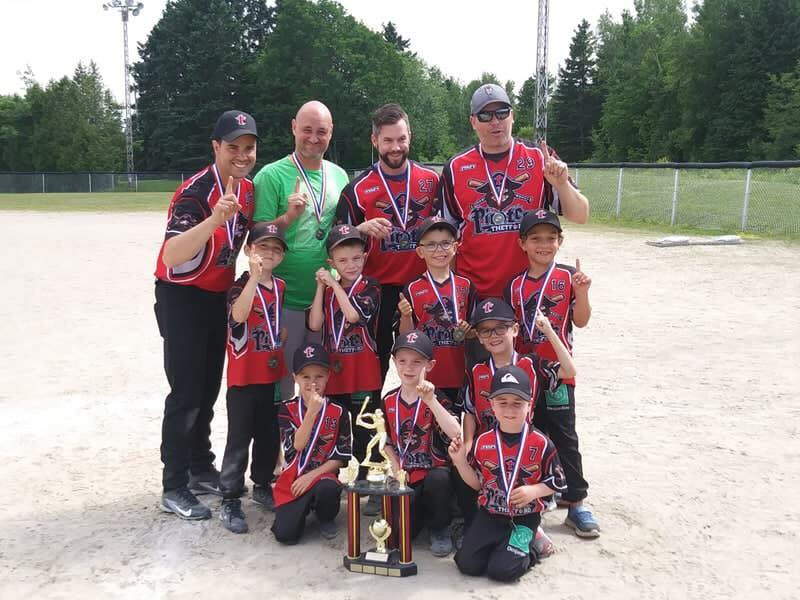 Les Pirates doublement champions