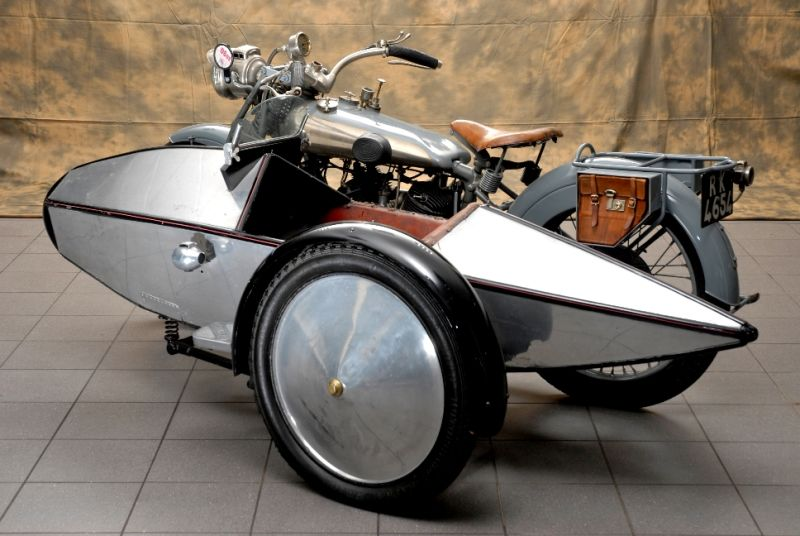 4 septembre 1922 – Naissance de la Swallow side-car company